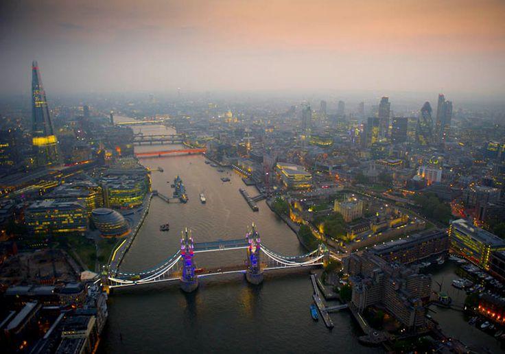 Dusk over London. © Jason Hawkes: Heart London, Places 12, Neat View, Fabulous London, Amazing Places, London England, London Skyline, Amazing Photos, London Beautiful