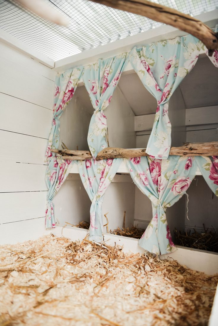 DIY Farmhouse Style Chicken Coop |