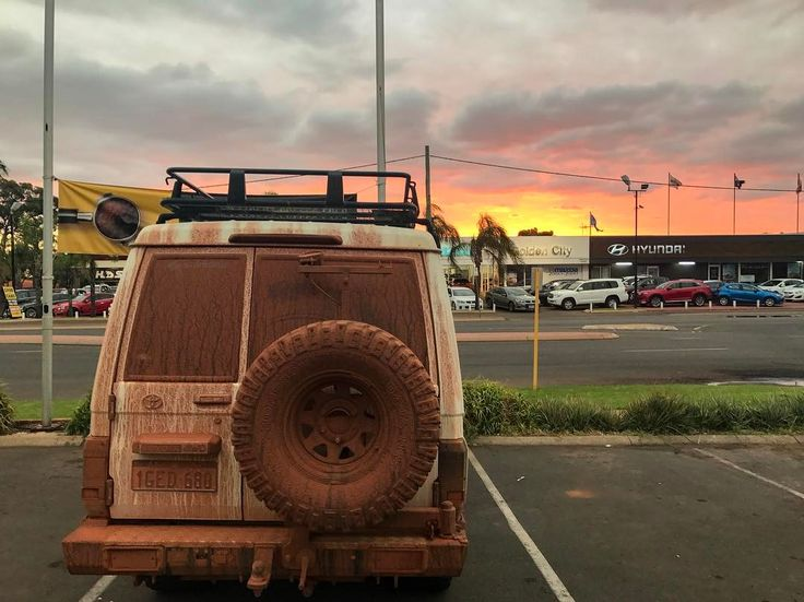 landcruiser troopy simple roofrack covered with red dust :-)