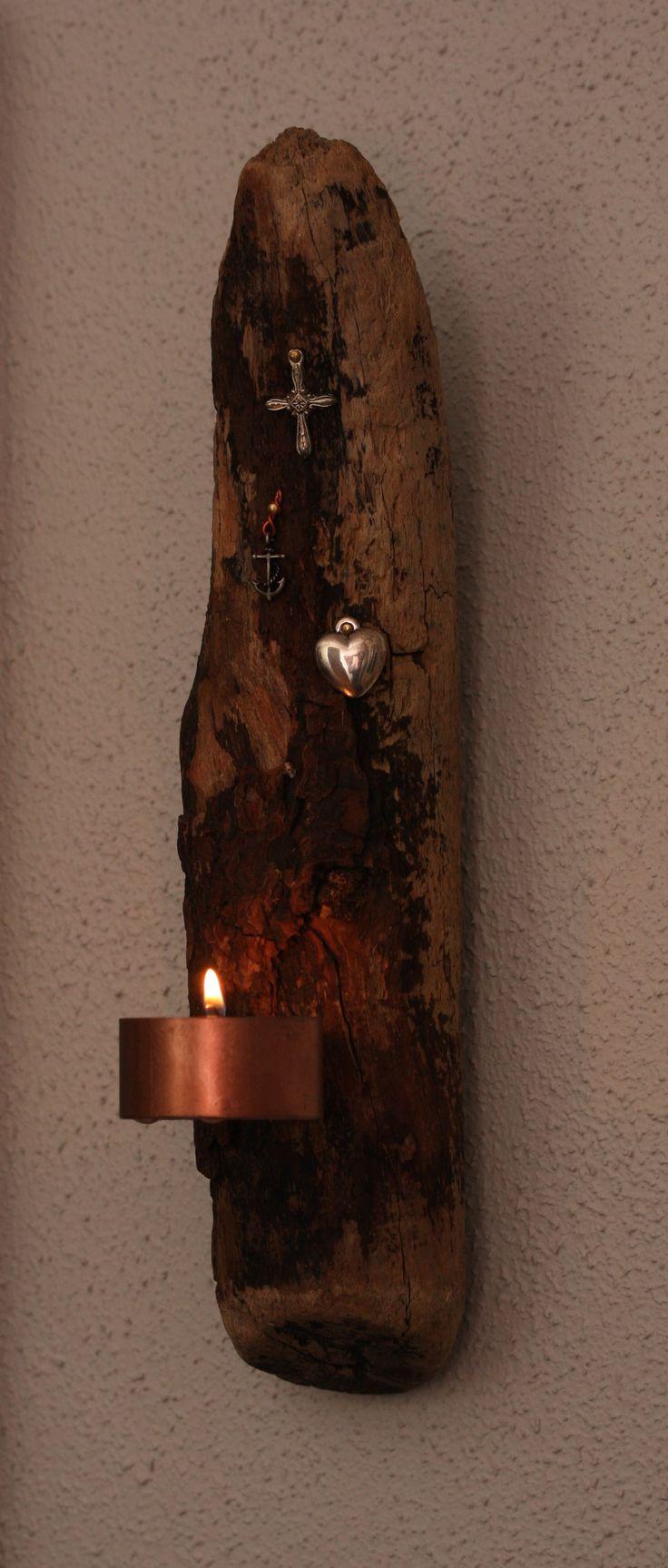 Tro, håb og kærlighed. Driftwood - skrotart Drivtømmer stage - candle