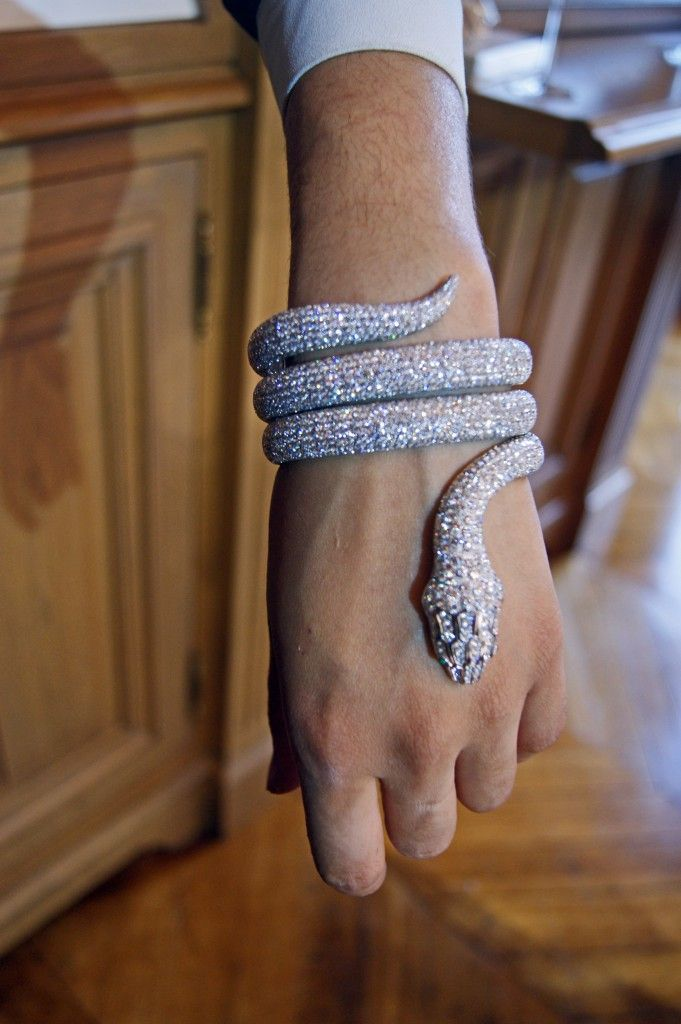 This would look so hot with a black dress...Boucheron Snake Bracelet