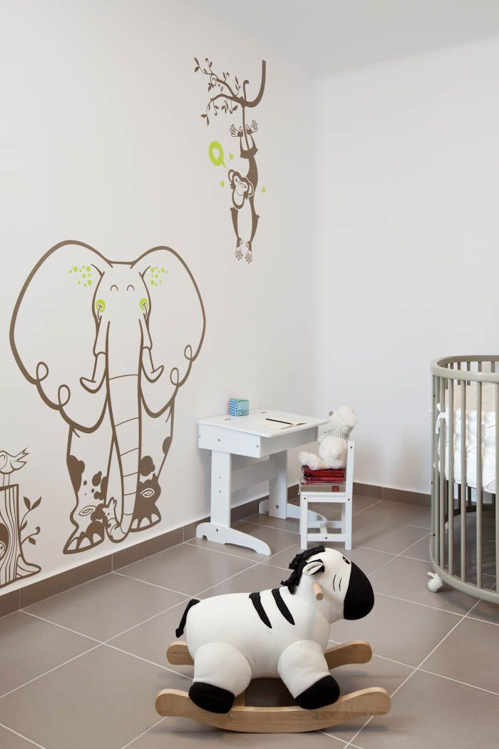 17 best images about vinilos infantiles papeles pintados for Vinilos pared ninos