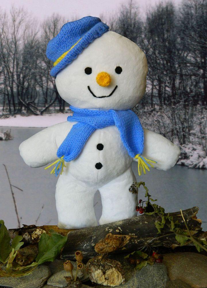 Hand Crafted Cuddlesoft Plush 12.5  Snowman Soft Toy
