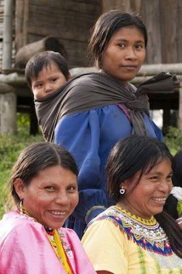 Las mujeres que aprendieron a defender su clítoris La comunidad embera-chamí lucha por erradicar la ablación en Colombia, el único país americano donde se ha registrado esta práctica. Autoridades gubernamentales e indígenas optan por una transformación cultural que durará décadas. Alba Tobella M. | Planeta Futuro, El País, 2015-07-20 http://elpais.com/elpais/2015/05/13/planeta_futuro/1431519344_024402.html