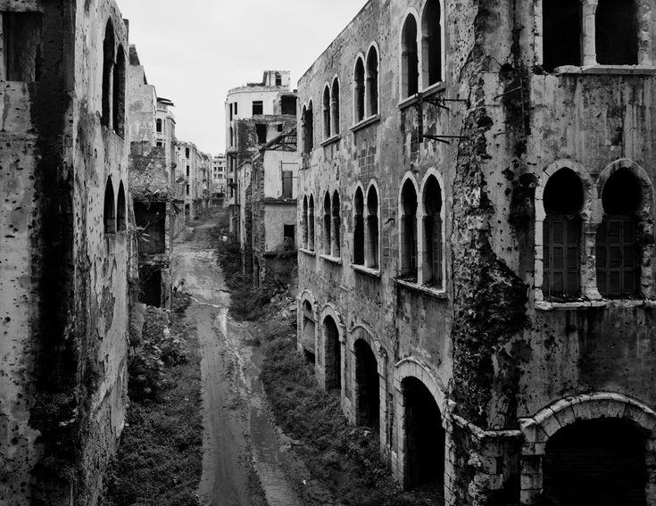 Beirut, Libano, 1991. - (Gabriele Basilico)