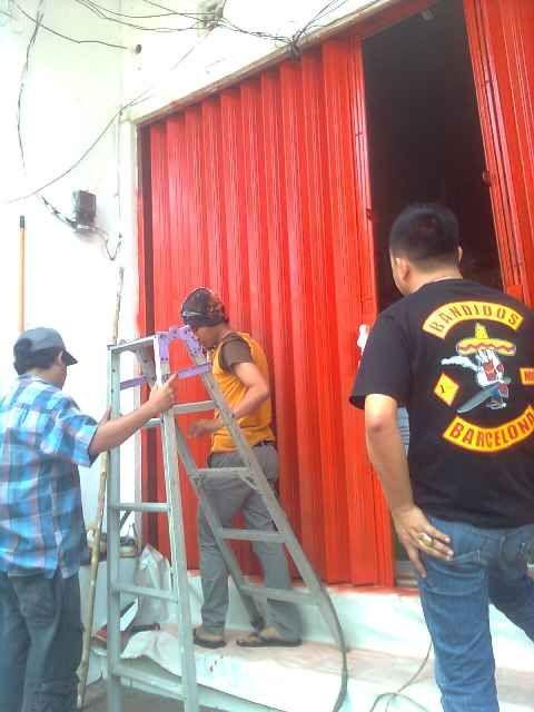 Jasa Service dan Pengecatan  Rolling Door Dan Folding Gate untuk wilayah JABODETABEK  Hubungi kami sekarang juga di  no tlpn 0838 1144 3437...