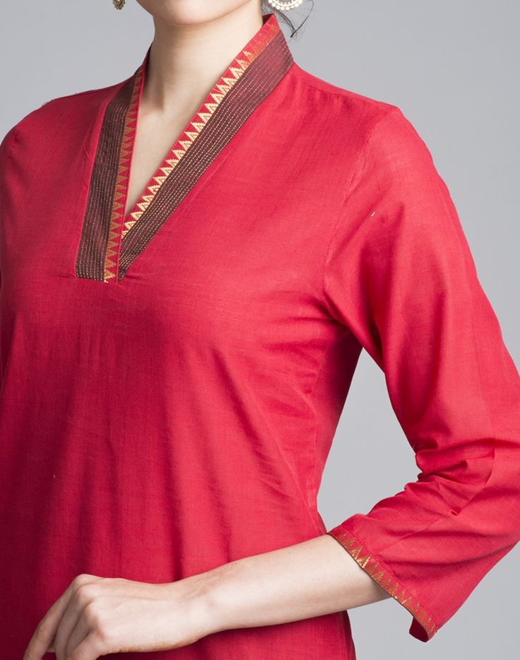 A unique combination of craft and trend. This kurta features kimono neck with zari stitch which accentuates the look.   Cotton Mangalgiri Zari Stitch Kimono Neck 3Q Sleeves Hand Wash Separately in Cold Water