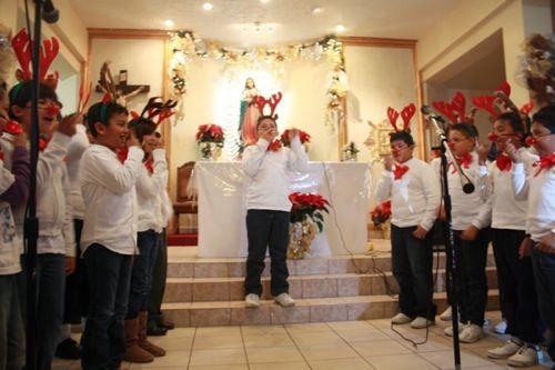 San Felipe's Children's School Choir singing for the season at the Christmas Concert! http://sanfelipe.com.mx/2013/12/20/san-felipes-christmas-concert/