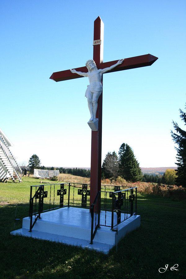 Croix de chemin du Sacré-Cœur (calvaire) - 42, route 204 Ouest, St-Camille-de-Lellis, MRC Les Etchemins, QC, Canada