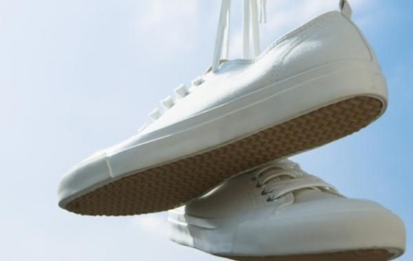 come pulire scarpe converse bianche