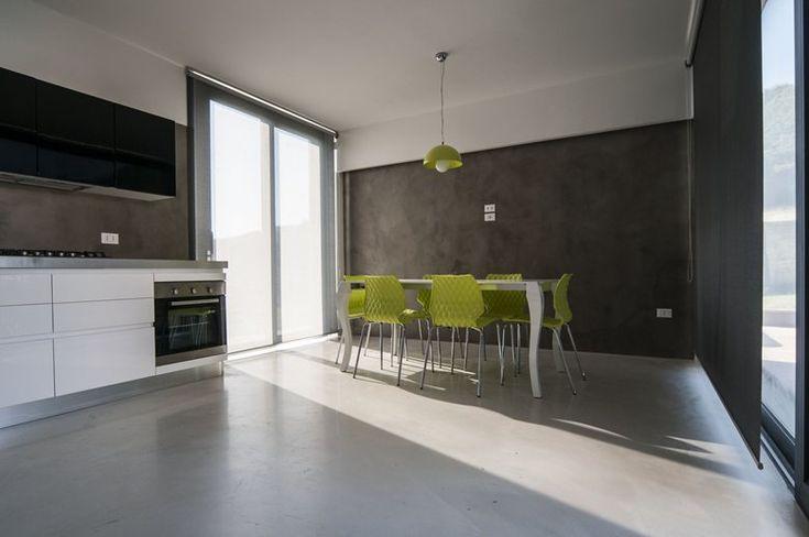Uni 550 chairs - Villa Privata A U, Località Casale Di Scopoli
