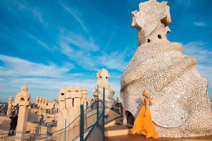 The roof of Casa Mila (La Pedrera) by Antonio Gaudi, Barcelona, Catalonia, Spain Travel to Spain with @iveseen_