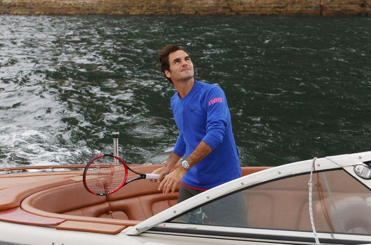 Roger Federer played tennis against Lleyton Hewitt on a speedboat in Australia!