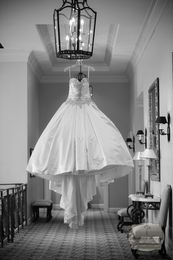 17 best images about sarasota bradenton wedding details stunning wedding dress in black and white at lakewood ranch country club by modern ivory photography