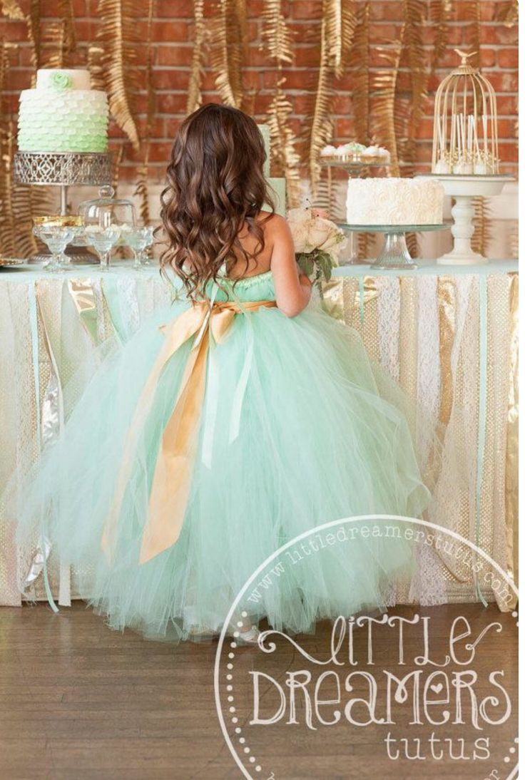 So cute for the flower girls!