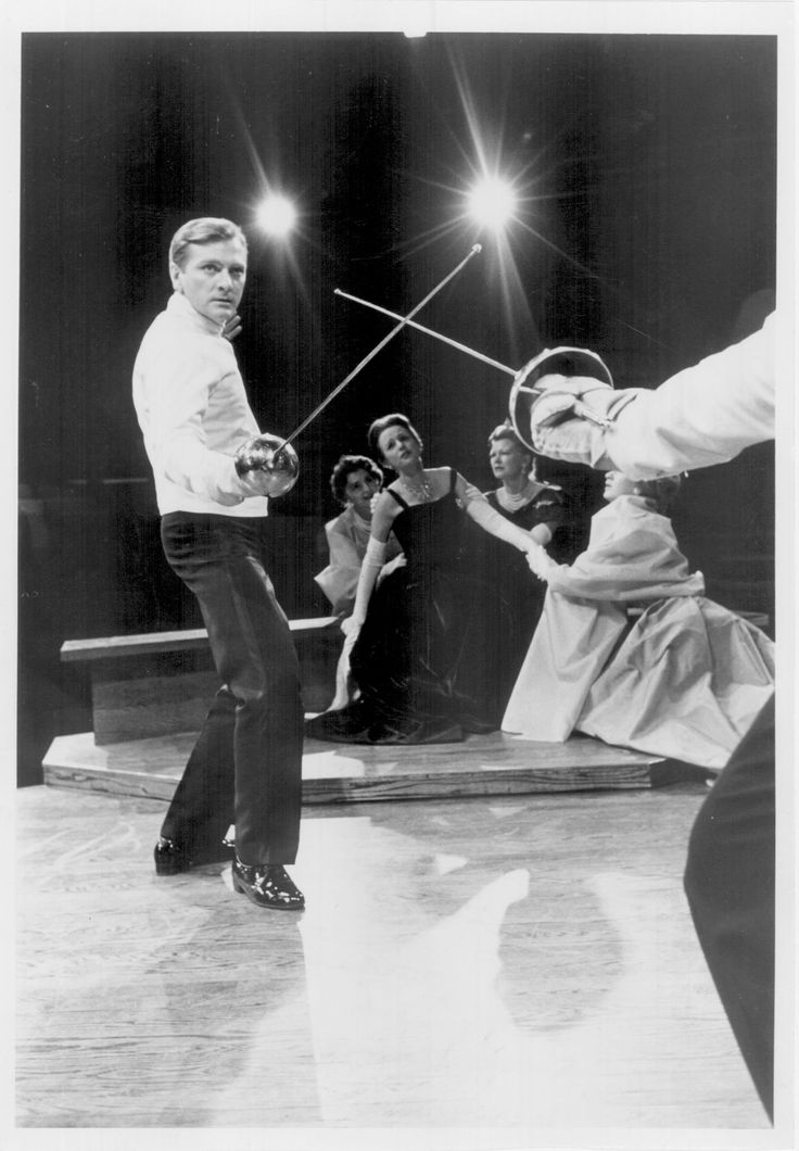 1963 - George Grizzard in Hamlet at the Guthrie Theater ...