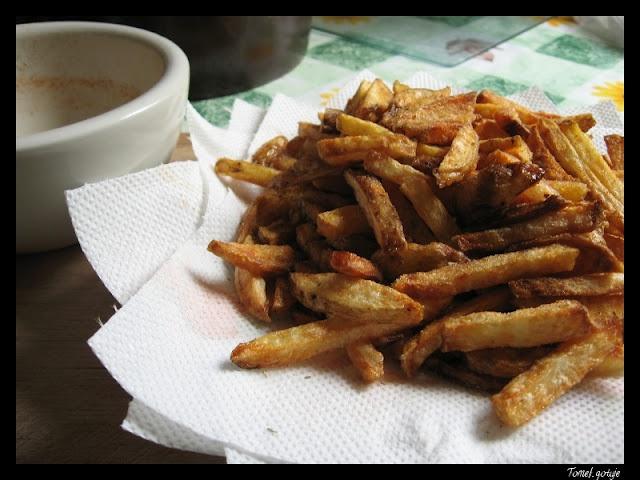 Tomek gotuje: Frytki z pikantą solą rozmarynową / Tom cooks: Fries with spicy rosemary salt