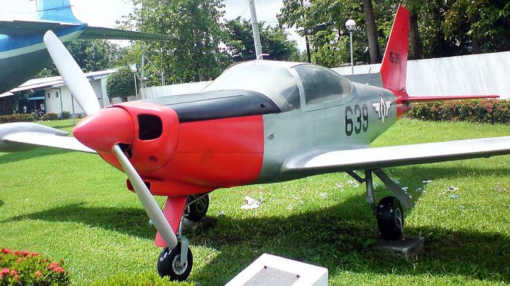 Philippine Air Force SF-260 - Front-Left Side View - SIAI-Marchetti SF.260 - Wikipedia