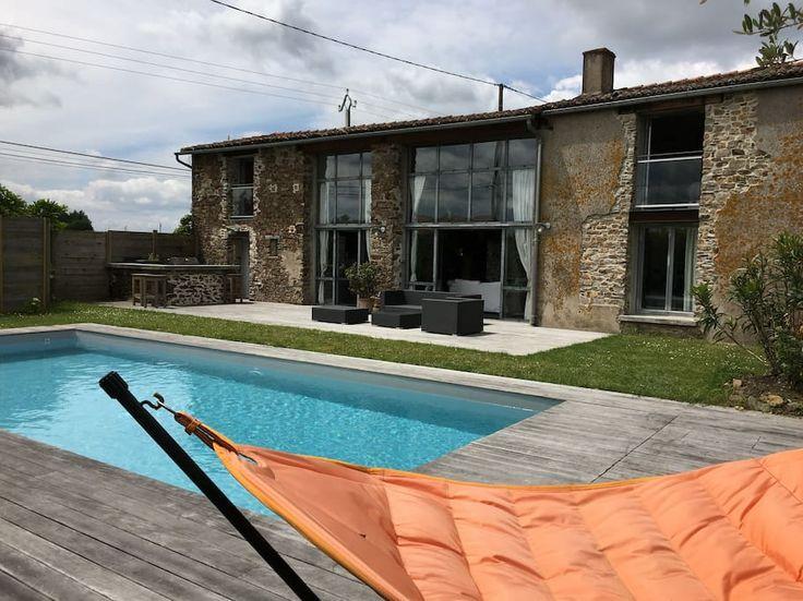 Regardez ce logement incroyable sur Airbnb : GRANDE MAISON FAMILLIALE A CHAMPTOCEAUX - Maisons à louer à Champtoceaux