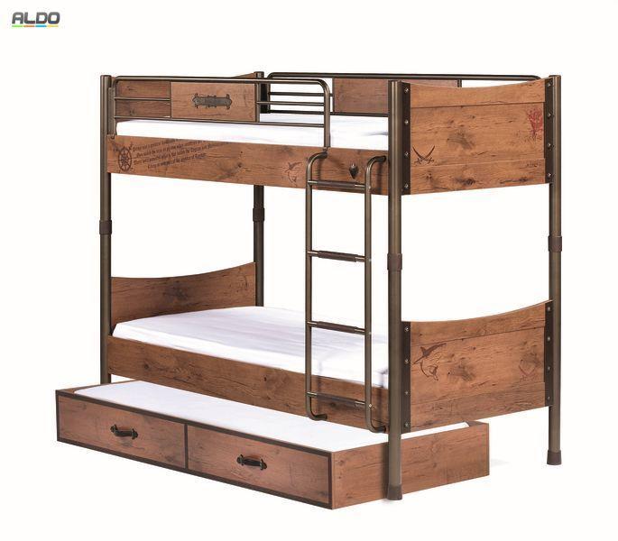Łóżko piętrowe nawet dla trójki dzieci  W kolekcji mebli dziecięcych Black Pirate mamy do dyspospozycji szereg mebli do wyposażenia pokoju dziecięcego dla chłopca lub chłopców,a nawet dla dorastających nastolatków i studentów. Możliwości wyboru łóżek tej kolekcji jest bardzo wiele. Kolekcja zawiera łóżko dziecięce z dostawką, łóżko studenckie, dwa łóżka pojedyncze czy stylowe łóżko dziecięce w postaci statku pirackiego. Do aranżacji pokoju dziecięcego dla dwójki, a nawet trójki chłopców, w…