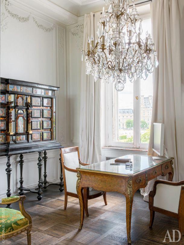 Квартира в Париже, модельер Жан-Клод Житруа