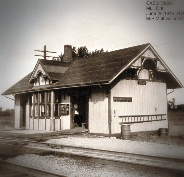 MULL, Ontario - CASO -NYC -CH depot p1943 - McIlwaine - edited