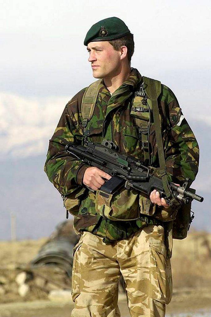 Royal Marines from 40 Commando on a security patrol at ...