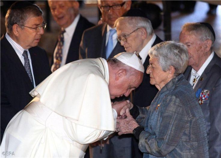 """Occhi negli occhi e mani baciate: il viaggio """"dell'incontro"""" per preparare la Pentecoste della Pace"""