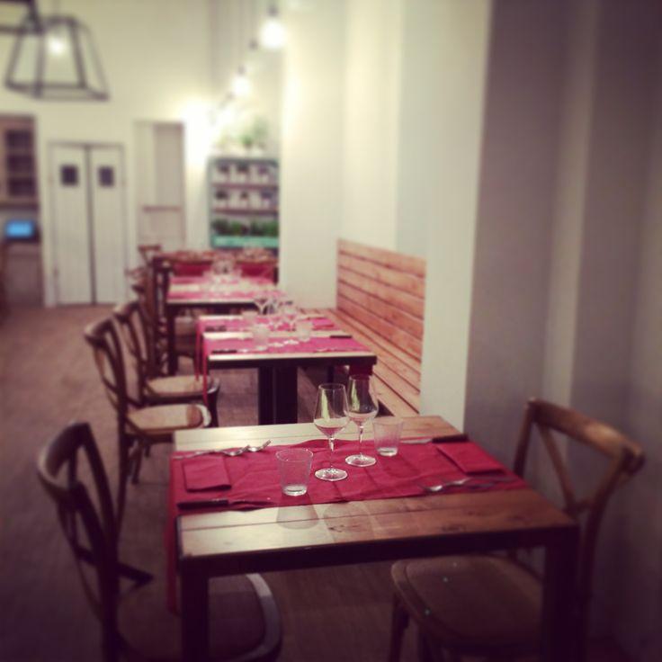 Prati Urbani é un nuovo concept aperto a roma al lato del cinema adriano in prati. Aperto dalle 7 di mattina alle 2 di notte non é solo un luogo dove assaporare un'ottima cucina italiana e caffetteria, ma soprattutto un punto dove lavorare con wifi gratuito e musica di sottofondo.