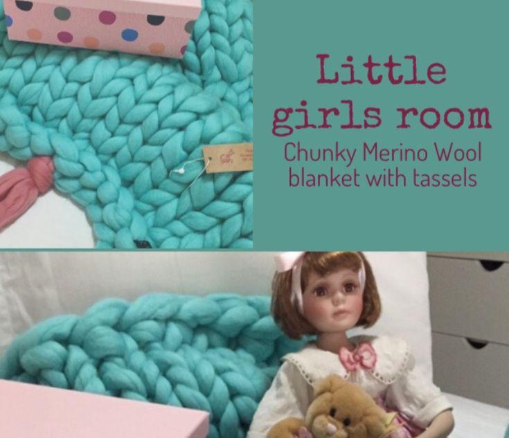 @chunkyknitstyle #littlegirlsroom #chunkymerinowool #chunkymerinowoolblanket #nursery #chunkyknitblanket