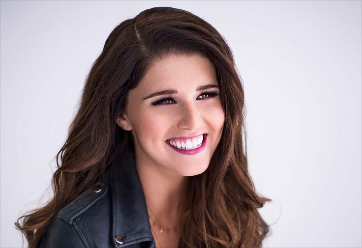 Katherine Schwarzenegger. Katherine Schwarzenegger is the daughter of Arnold Schwarzenegger and Maria Shriver, granddaughter of Eunice Kennedy Shriver who founded the Special Olympics among other institutions. Schwarzenegger, 23, only recently graduated from college but the former first daughter of California has gained media attention and has already written two books.  She is immersed in community service work.