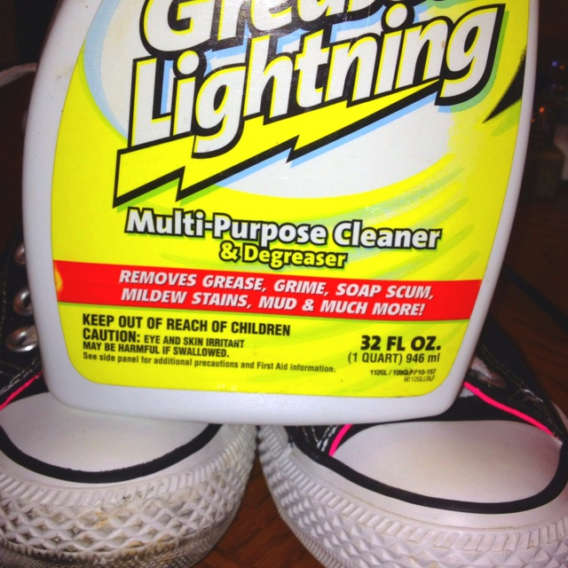 Amazing shoe cleaner