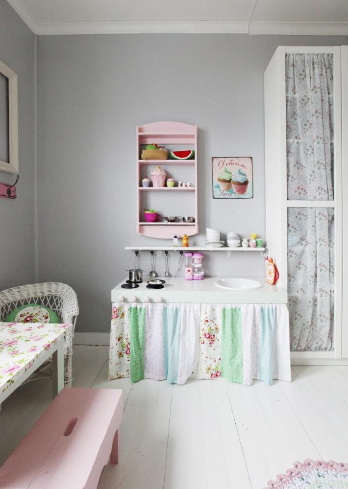 PIKEDRØM: På dette jenterommet har alle fargene i sukkertøysskålen ...