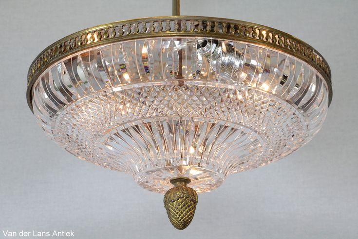 Klassieke plafonniere 25830 bij Van der Lans Antiek. Meer antieke lampen op www.lansantiek.com