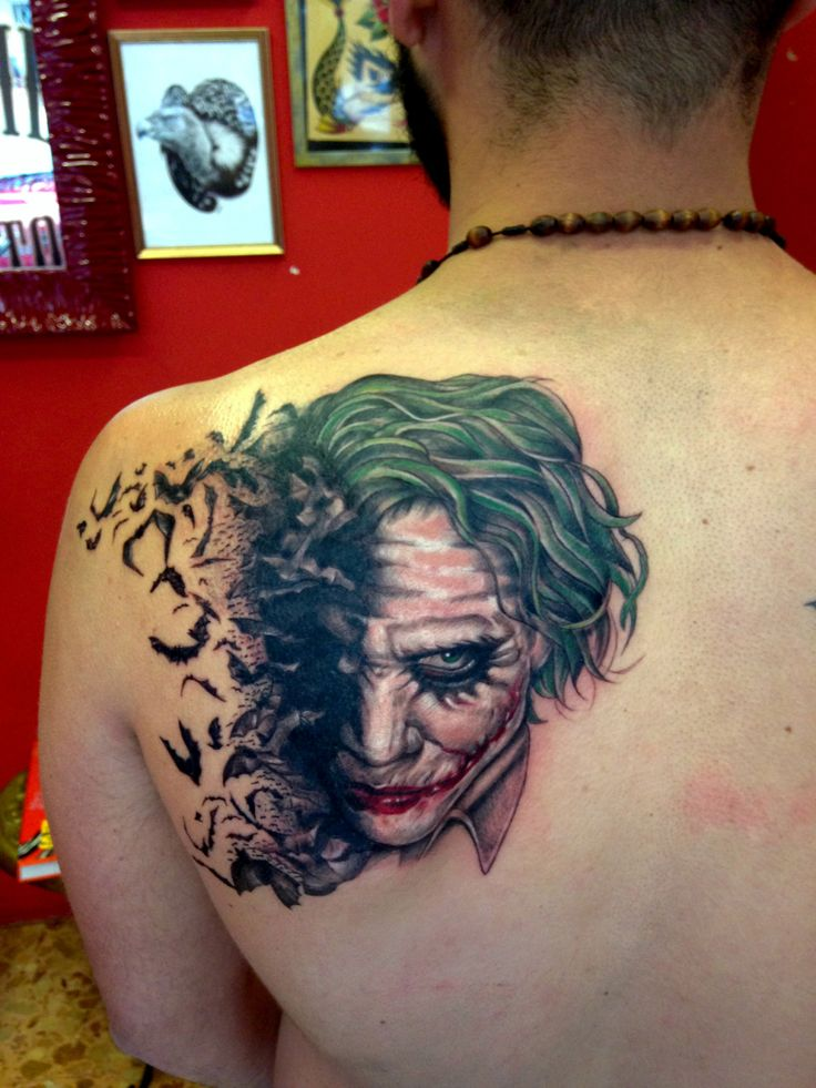 Die besten 25 joker smile tattoo ideen auf pinterest for The joker tattoo