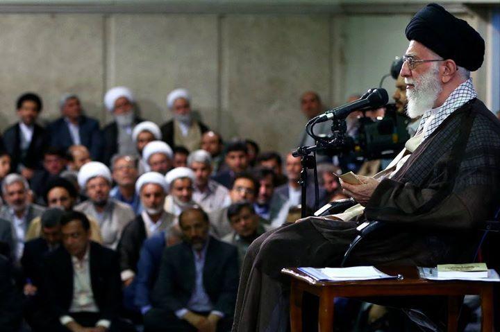 قائد الثورة الإسلامية المعظم يستقبل مدراء و اساتذة: قائد الثورة الإسلامية المعظم يستقبل مدراء و اساتذة http://ift.tt/2v3crmt