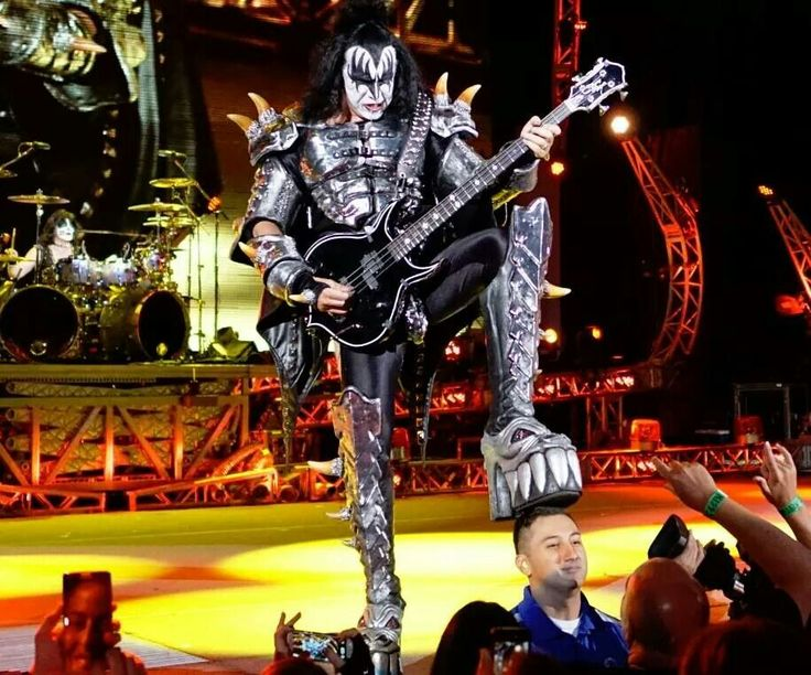 Gene Simmons during a 40 years anniversary show, 2014. - KISS , Hard rock -