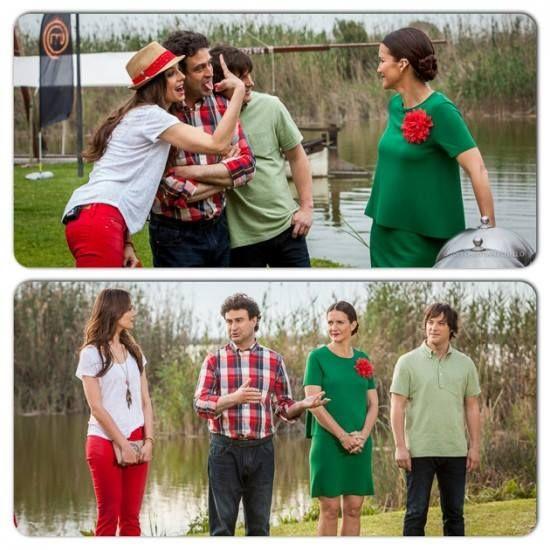"""Eva González - Blog 'Las Tentaciones de Eva' 2012/2013 """"Las risas de Masterchef""""  http://las-tentaciones-de-eva.blogs.elle.es/2013/06/04/las-risas-de-masterchef/ pantalón tejano rojo de Salsa, camiseta de Hakei, collar de Silouette Creations y zapatos de Green Coast"""