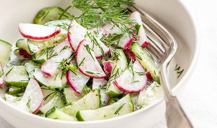 Σαλάτα με ραπανάκια, αγγούρι και άνηθο