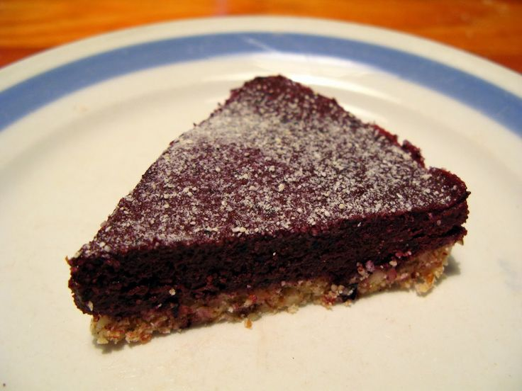 Shape & Cake: Mustikka-kookos raakakakku