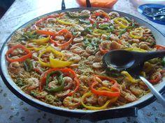 Ingredientes: 500 g de garoupa 500 g de marisco da pedra 500 g de carne de siri 500 g de lula 500 g de polvo 1 kg de camarão sem casca 2 kg de camarão com casca 500 g de cabeça e espinha de peixe (para o caldo) 1 kg de cebola de cabeça 800 …