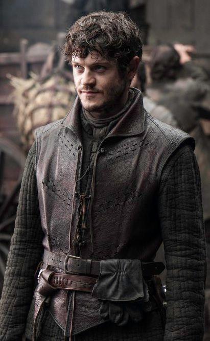 Iwan Rheon es Ramsay Snow, el hijo bastardo de Roose Bolton. Un verdadero demonio.
