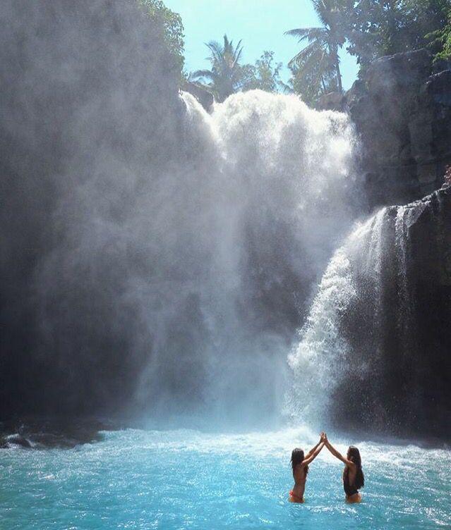 Waterfall. ❁❁ pinterest : alinenathalieep ❁❁