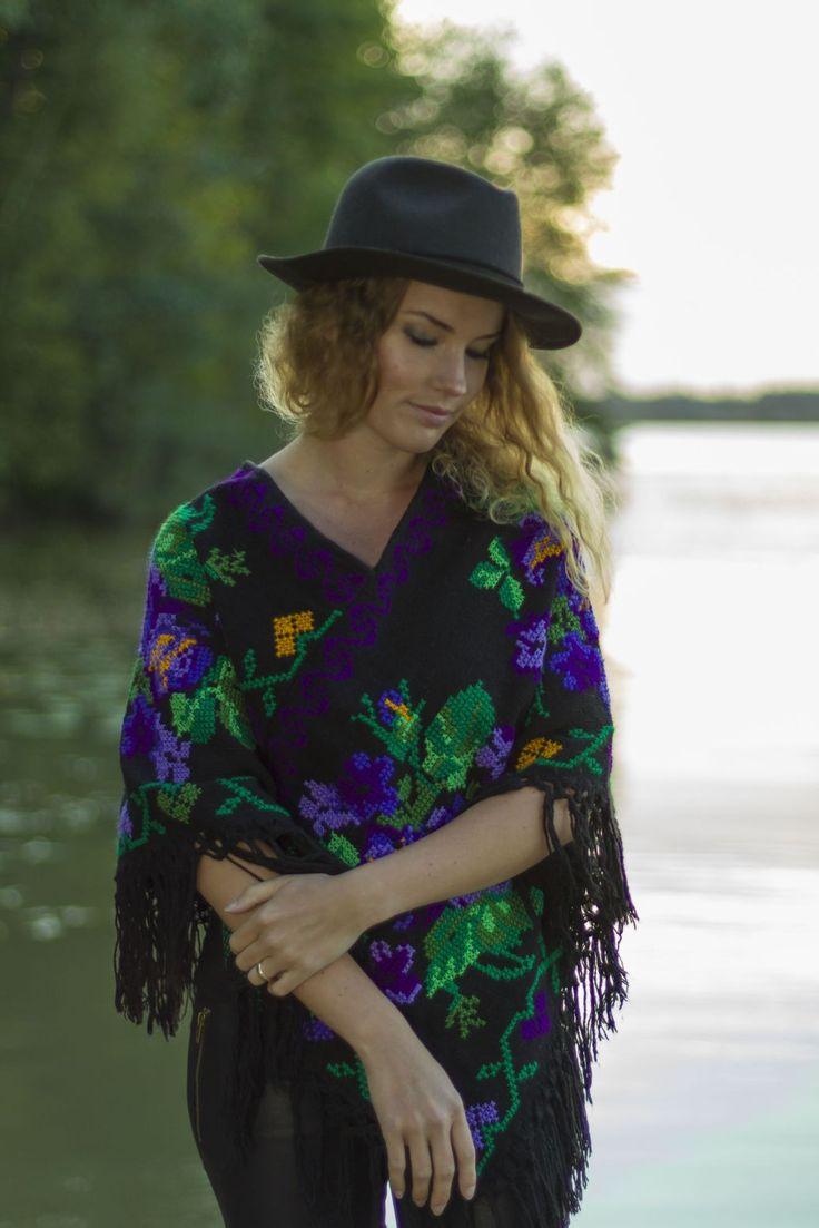 http://www.casadeemilio.com/shop/zarape/ Mexican poncho Casa de Emilio autumn fashion Bohemian clothing