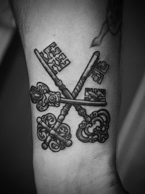 3 key tattoo: According to Japanese legend, 3 keys tied together are a good luck symbol that allow a person to unlock the doors to health, love and wealth.