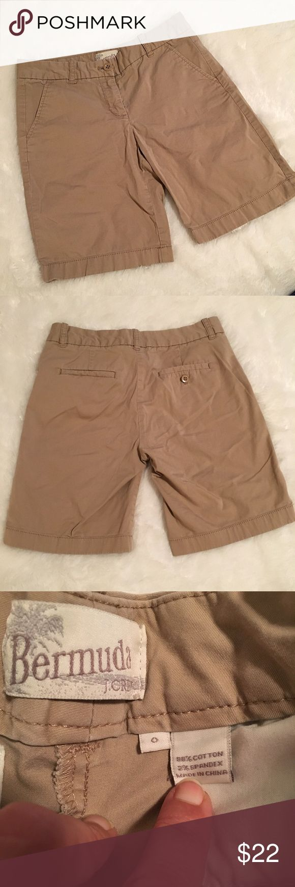 "🆕 J Crew Khaki Bermuda Shorts In great preloved condition. J Crew Khaki Bermuda Shorts. Size 0. 98% cotton, 2% spandex. Waist 14"", rise 8"", inseam 8.5"". ❌NO TRADES❌NO LOWBALLING ❌NO MODELING❌ J. Crew Shorts Bermudas"