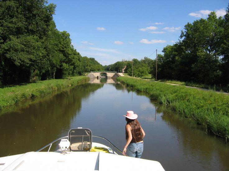 Passage sur le Canal du Nivernais, à 2 pas d'Accolay