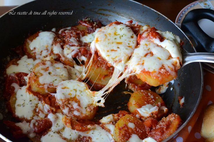 Patate in padella alla pizzaiola