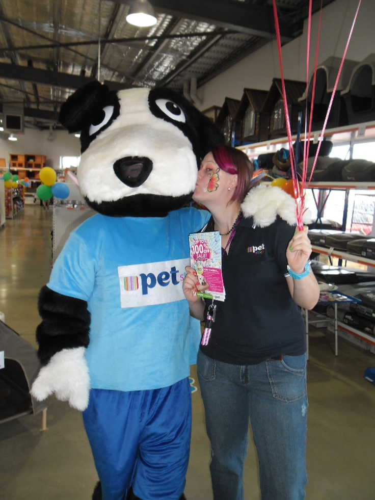 Buddy's tail was wagging with excitement all weekend during our Up To One Hundred Per Cent Off Sale.   There was lots of excitement at our PETstock Baldivis store and Buddy had lots of fun!