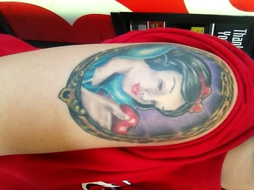 Snow White tattoo done in Jefferson City, MO by Brandon Roberts at Capitol Ink. Ive always been in love with Snow White. Follow me @ oliviasucks.tumblr.com
